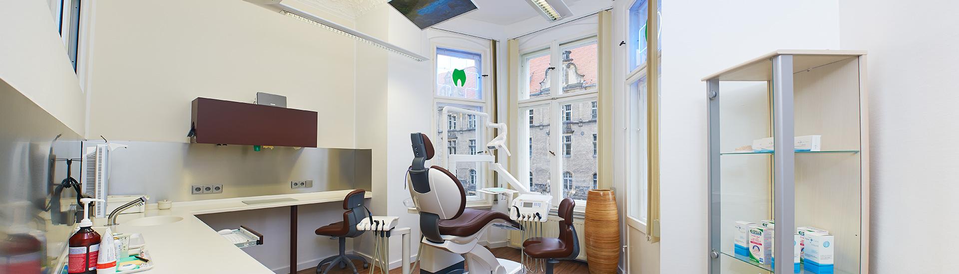 Zahnzentrum-Neukoelln-Berlin-Zahnarztbehandlungsraum-2